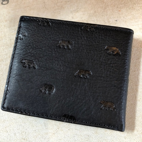 cf6f955fbdae50 Fossil Bags | New Mens Leather Wallet Bear Print | Poshmark
